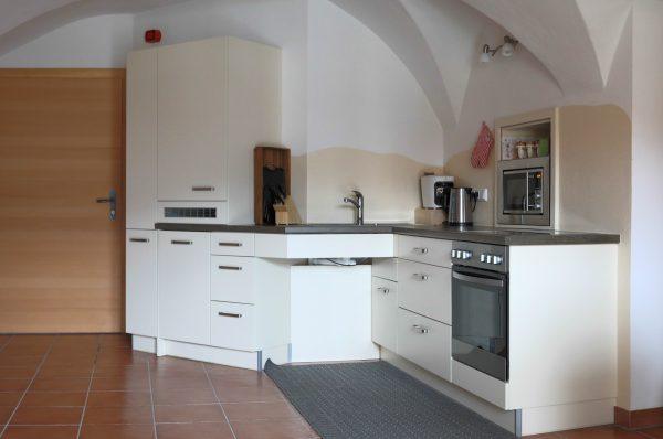 Barrierefreie Küche mit unterfahrbarem Waschbecken